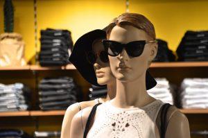 Rozmowa o regałach sklepowych używanych