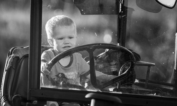 Traktor z pedałami- jako prezent urodzinowy